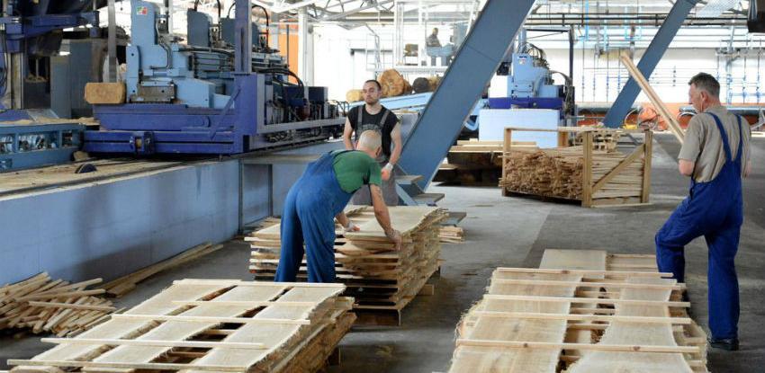 Julska industrijska proizvodnja veća za šest odsto od junske