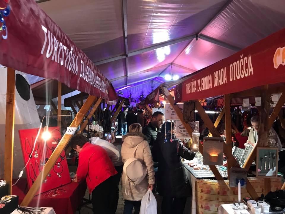 Privredna komora USK na 12. Međunarodnom Božićnom sajmu u Otočcu